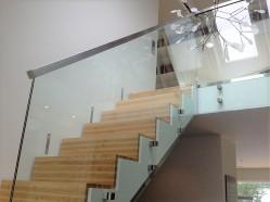 Glasräcke trappa